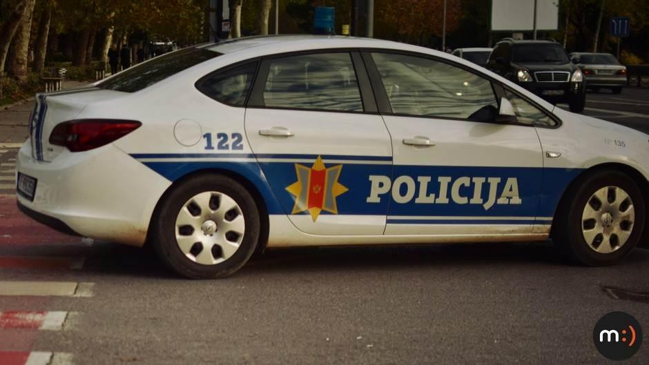Policija, policijsko auto, teambuilding
