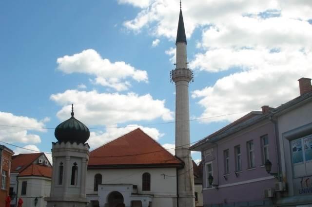 tuzla bih bosna džamija minaret