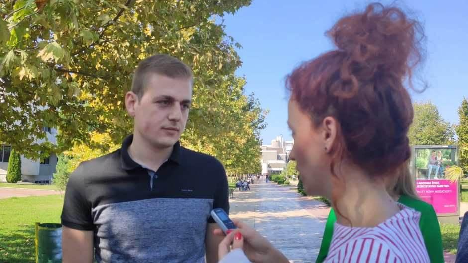 Bojan Popović protest UCG magistrandi
