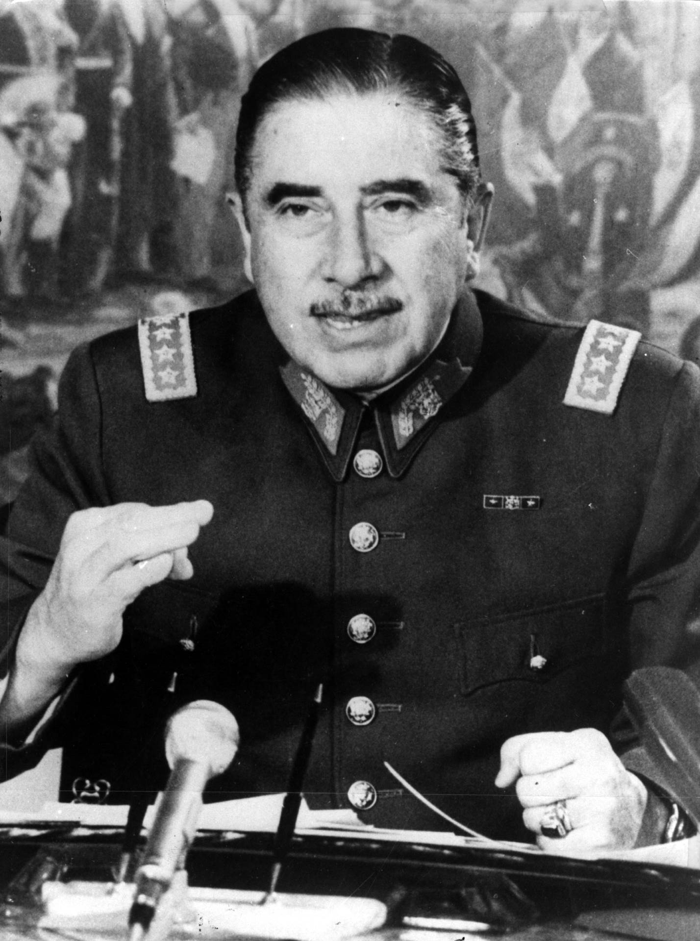 Augusto Pinoče