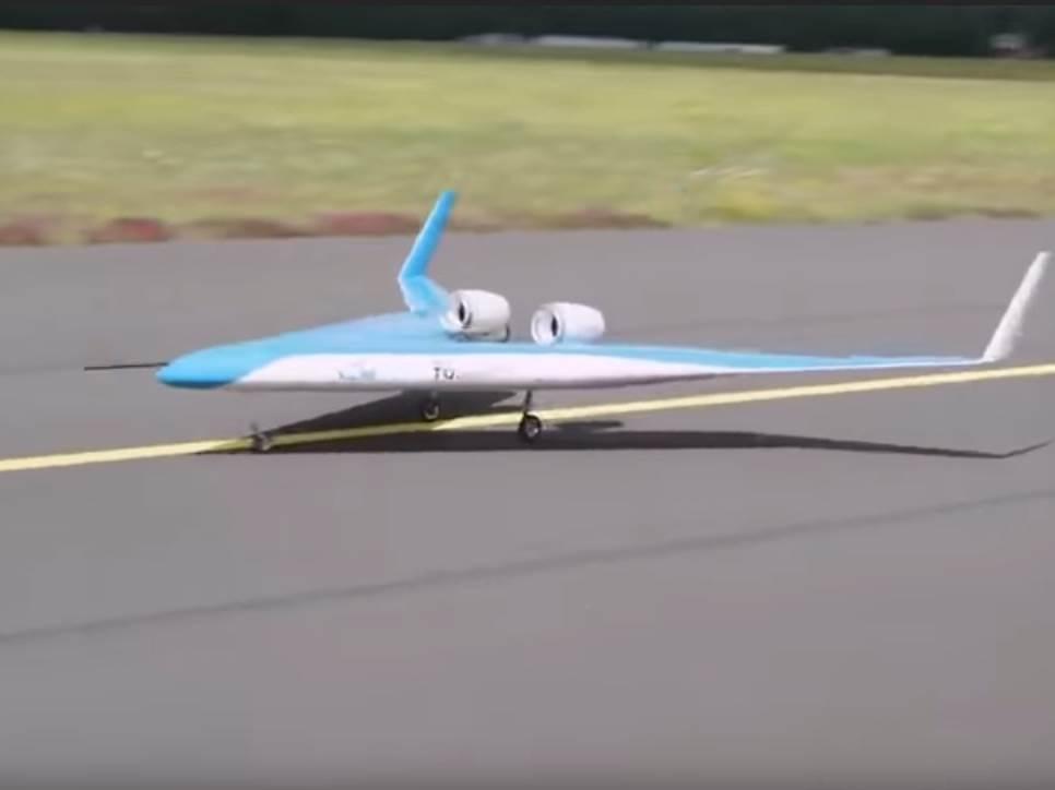 flyingV.jpg