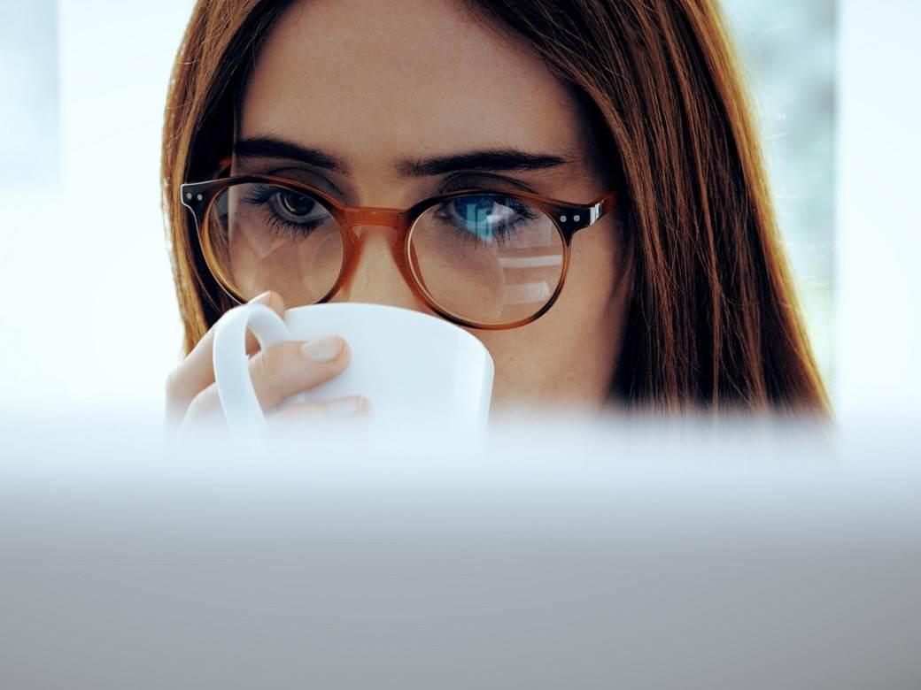 kafa, čaj, naočare