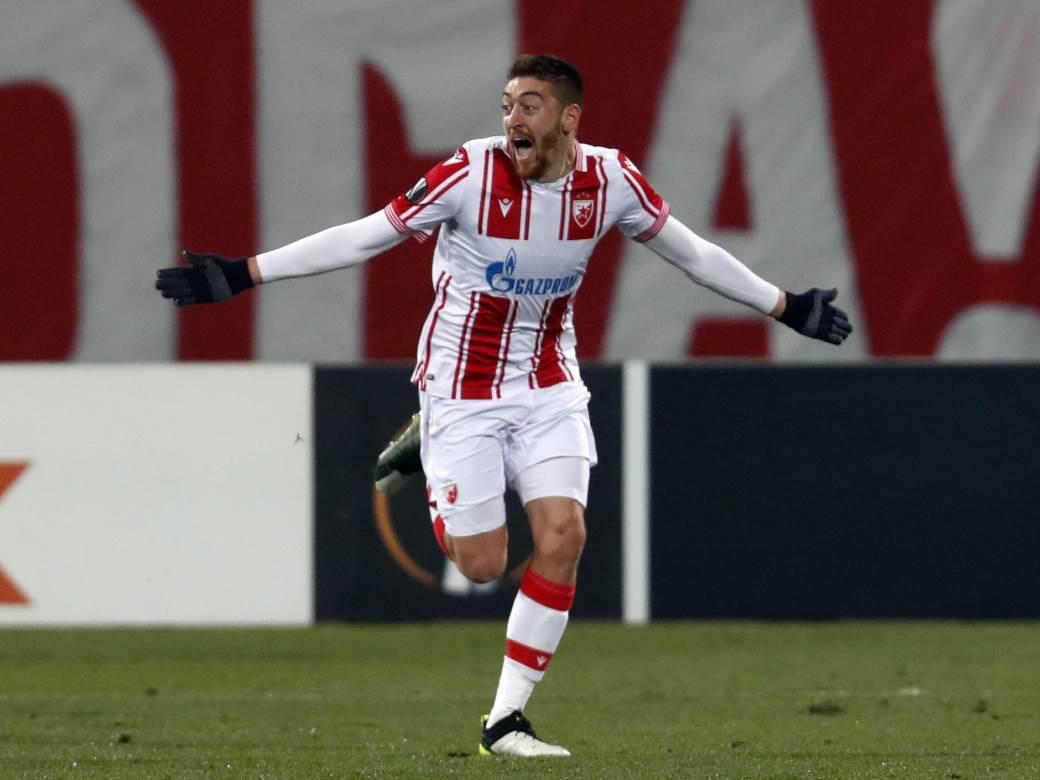 Milan Pavkov slavi gol protiv Milana.