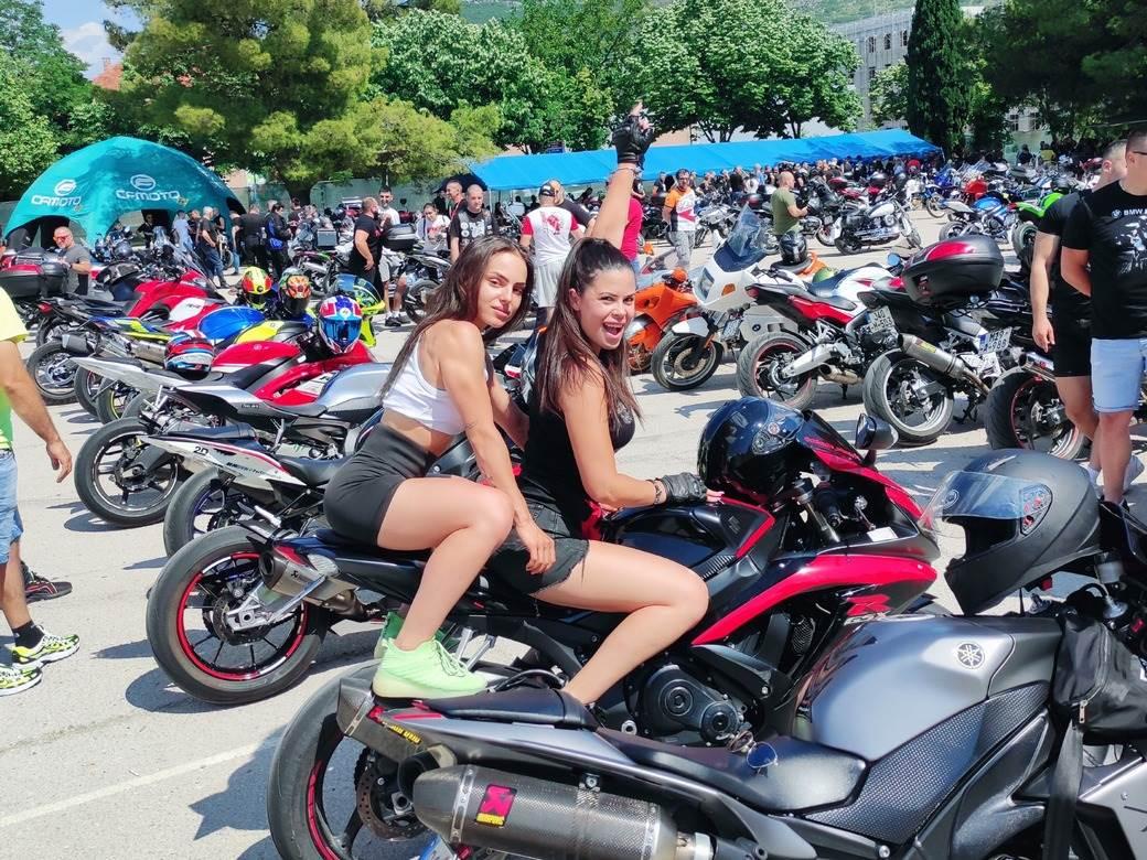 Moto 1040