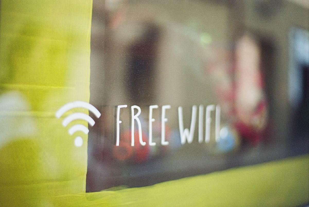 Besplatni WiFi znak