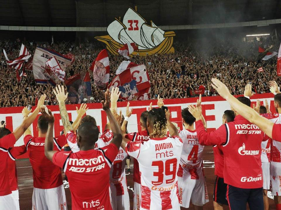 Fudbaleri Crvene zvezde protiv Vojvodine.