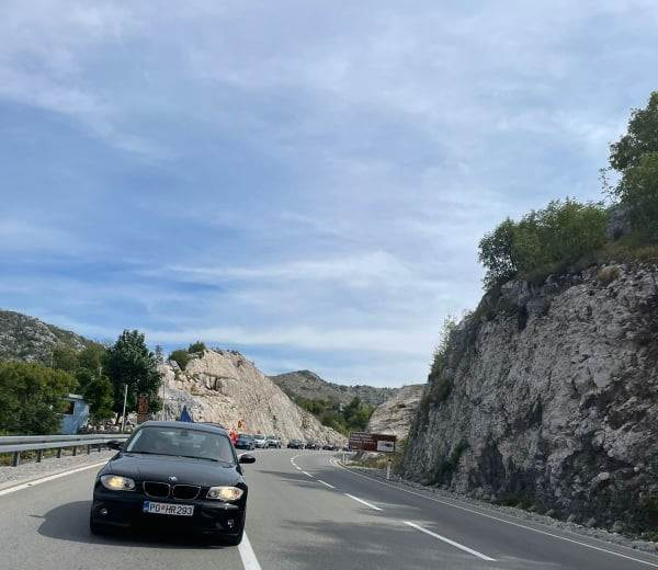 Kolona ka Cetinju
